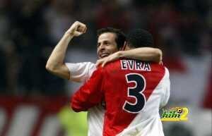 Monaco's French forward Ludovic Giuly (L