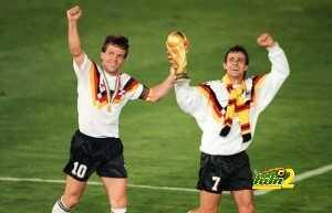 West German midfielder Lothar Matthaeus (L) and fo